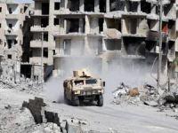 Rakka'da 2371 insan katledildi, yarım milyon insan yerinden edildi