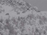 Kar nedeniyle yolda mahsur kalan köylüler kurtarıldı