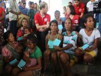 Kızılay, Filipinler'de 25 bin kişiye gıda kolisi dağıttı