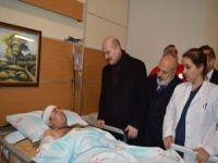 Bakan Soylu yaralı askerleri hastanede ziyaret etti