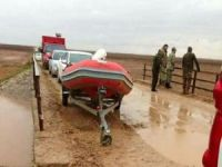 Zırhlı araç sele kapıldı: 2 asker hayatını kaybetti, 2 asker kayıp