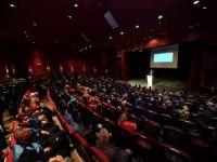 """Üsküdar Belediyesi'nin """"Yazar Okulu"""" Projesi ilk mezunlarını verdi"""