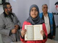 Suriyeli yetim çocuklara Kur'an-ı Kerim dağıtıldı
