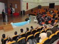 """Batman Üniversites'nde """"Misakı Milli Yeniden Türkiye'yi Davet Ediyor"""" Konferansı"""