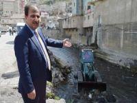 Bitlis deresi DSİ tarafından temizleniyor