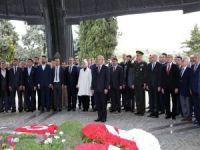 Başkan Uysal, Turgut Özal'ın anma törenine katıldı
