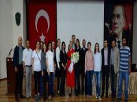 """Pınar Holt: """"Amerikalı ailelerin düştüğü hataya düşmeyelim"""""""