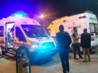 Virajı alamayan transit devrildi: 2 yaralı