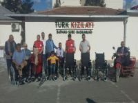 Kızılay'dan engellilere tekerlekli sandalye