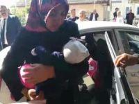 6 aylık bebek otomobilde mahsur kaldı