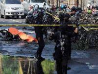 Endonezya'da 3 kiliseye saldırı: 9 ölü