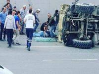 Üst geçitten düşen kamyon şoförü ağır yaralandı