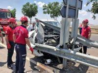 Kontrolden çıkan otomobil kaza yaptı