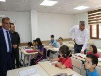 Vali Ahmet Deniz, belediye bilgi evlerini inceledi