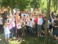 Yaz kurslarına katılan öğrencilere kitap hediye edildi