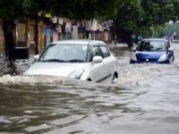 Hindistan'da sel: 64 ölü