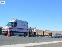 Suriyelileri taşıyan işçi servisi devrildi: 17 yaralı