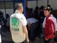 Umut Kervanından 260 aileye giyim ve kundura yardımı