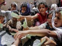 Krizin sürdüğü Yemen'e insani yardım