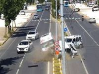 Trafik kazaları MOBESE'ye yansıdı