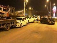 Nusaybin'de direksiyon hakimiyetini kaybeden sürücü park halindeki araçlara çarptı