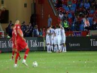 Milliler ilk maçında Rusya'ya mağlup oldu: 1-2