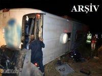 Yolcu otobüsü şarampole devrildi: 6 ölü 44 yaralı
