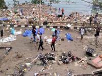 Endonezya'da hayatını kaybedenlerin sayısı 800'ü aştı