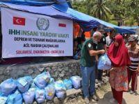 Endonezya'daki afetzedelere yardım