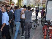 İzinsiz basın açıklamasına polis müdahalesi