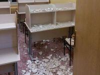 Tavan alçısı öğrencilerin üzerine düştü: 3 yaralı