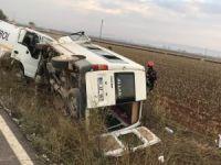 İşçi minibüsü ile tanker çarpıştı: 8 yaralı