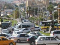 Şanlıurfa'da sıkışan trafik gerginliğe neden oldu
