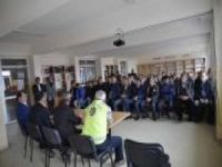 Okul servis sürücülerine seminer verildi