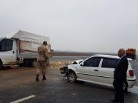 Mardin'de otomobil ile kamyonet çarpıştı: 4 yaralı