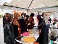 Üniversite öğrencilerinden Gazze'ye yardım kermesi
