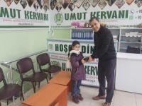 Minik çocuklardan örnek davranış! Harçlıklarını Yemen için bağışladılar