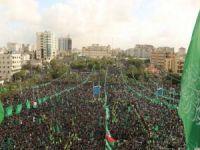 Hamas'ın kuruluşunun yıl dönümü programına yüzbinlerce kişi katıldı