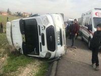 Nusaybin'de minibüs devrildi: 4 yaralı