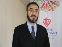 """Müftü Karabayır: """"Günümüz problemlerini çözebilecek gençler yetiştirmek istiyoruz"""""""