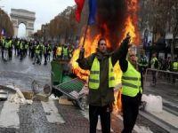 """""""Sarı Yelekliler"""" yine Paris sokaklarında"""