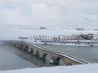 Kar yağışı hayatı olumsuz etkilerken kartpostallık görüntüler oluşturdu
