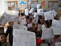 81 ilde öğrencilere karne dağıtıldı