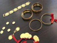 Yerde bulduğu 33 bin TL değerindeki altınları polise teslim etti