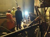 Çöken binanın enkazı altında kalan kişinin cesedine ulaşıldı