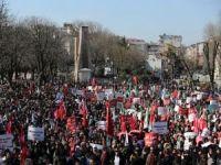 10 bin kişi Sultanahmet Meydanı'ndan dünyaya seslendi