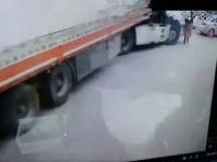 Mardin'de TIR'ın çarptığı kadın hayatını kaybetti