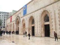 Bir dönem ahır olarak kullanılan cami ibadete açıldı