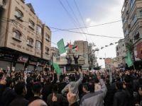 Gazze Abbas yönetiminin yaptırımlarına karşı yürüdü