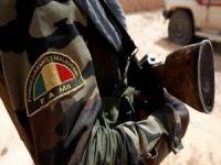 Mali'de askeri üsse saldırı: 16 ölü
